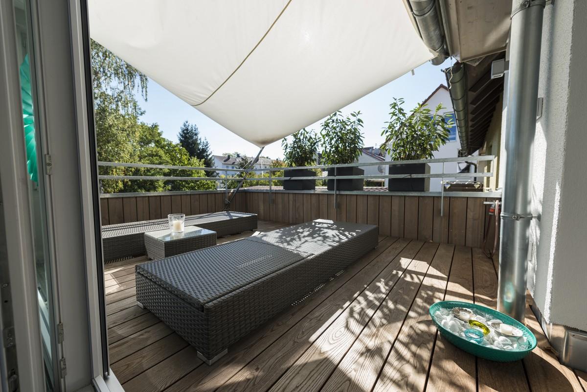 Terrassen aus Holz für das Wohnzimmer im Freien